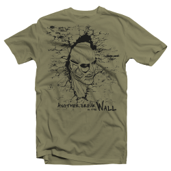 "T-shirt Attack on Titan ""Breaking the Wall"""