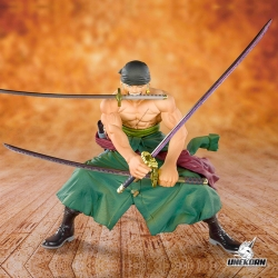 One Piece Pirate Hunter Zoro - Figuarts Zero