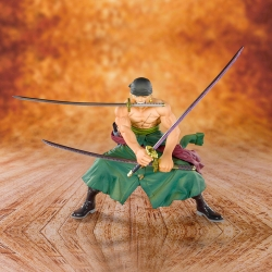 Boîte abîmée : One Piece Pirate Hunter Zoro - Figuarts Zero